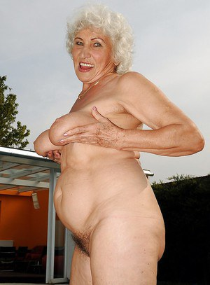 Are absolutely nude grannies pic