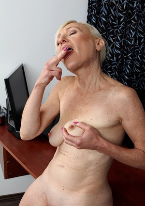 Mature saggy cum